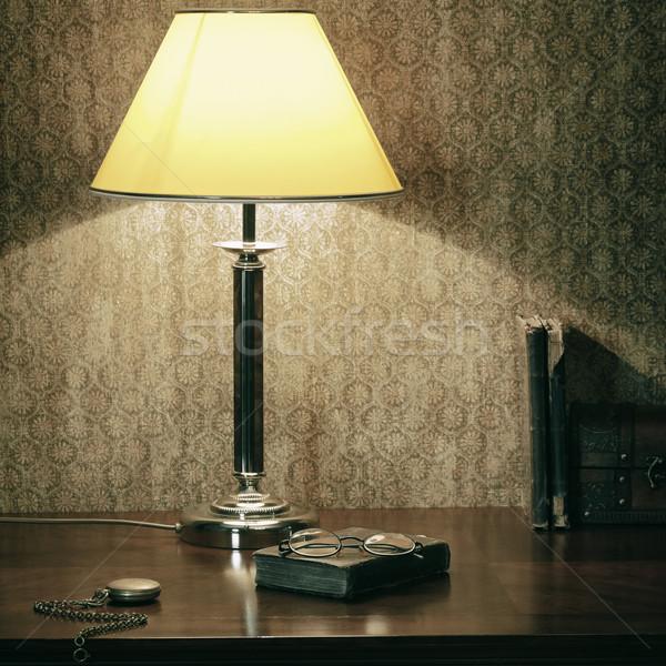 Kabinet stilleven zachte licht bureau lamp Stockfoto © SRNR