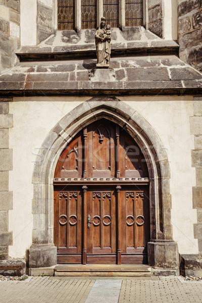 Entrée église fermé bâtiment architecture statue Photo stock © SRNR