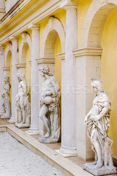 Cuerpo arquitectura antiguos senderismo antigua columna Foto stock © SRNR