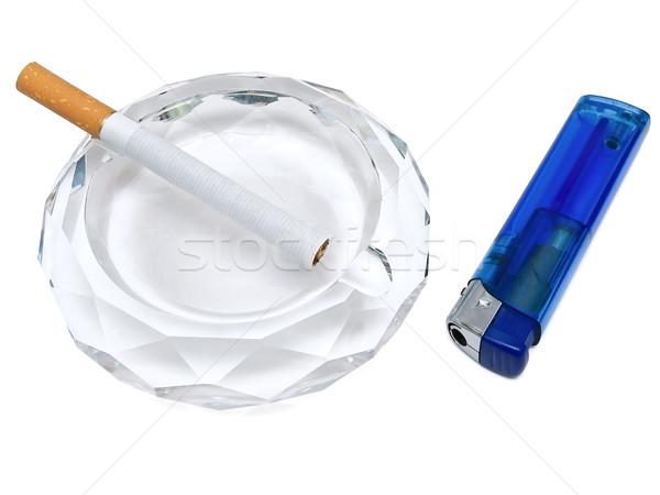 Isqueiro branco saúde cigarros empacotar fundo branco Foto stock © SRNR