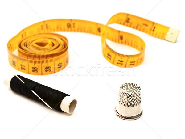 Kleermaker vingerhoed Geel zwarte draad naald Stockfoto © SRNR