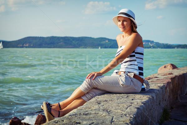 Tatil fotoğraf güzel genç kadın plaj Stok fotoğraf © Steevy84