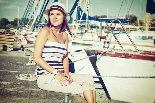 Yelkencilik retro tarzı görüntü güzel genç kadın Stok fotoğraf © Steevy84
