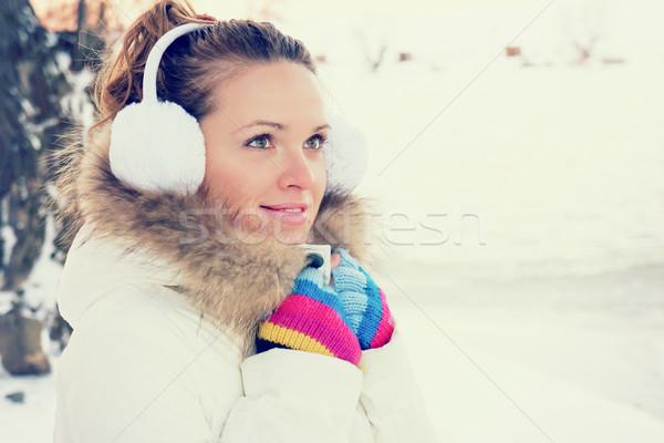 Genç kız soğuk Stok fotoğraf © Steevy84