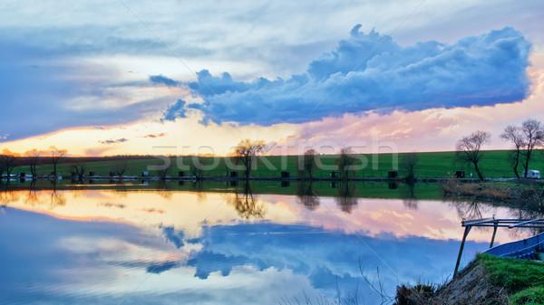 Bulut gemi güzel gün batımı göl Stok fotoğraf © Steevy84