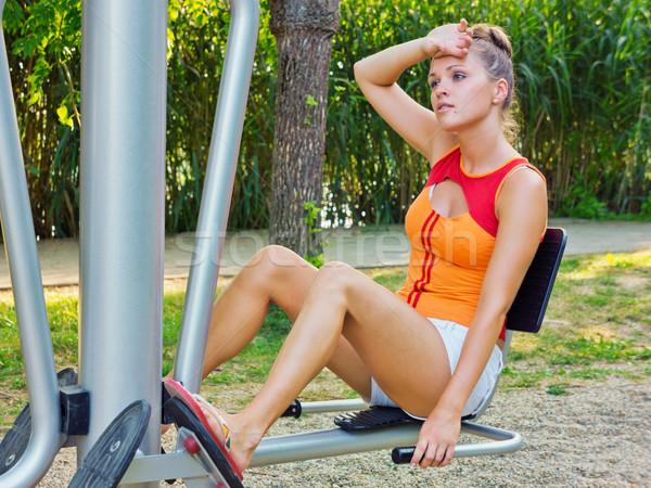 Eğitim park güzel genç kadın spor salonu bank Stok fotoğraf © Steevy84