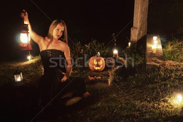 Halloween mezarlık kız çim alan Stok fotoğraf © Steevy84