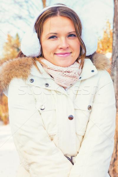 Vrouw warm kleding mooie bruin haar glimlachend Stockfoto © Steevy84