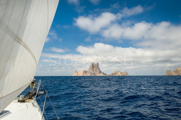 Voile Rock île yacht mer Photo stock © Steffus