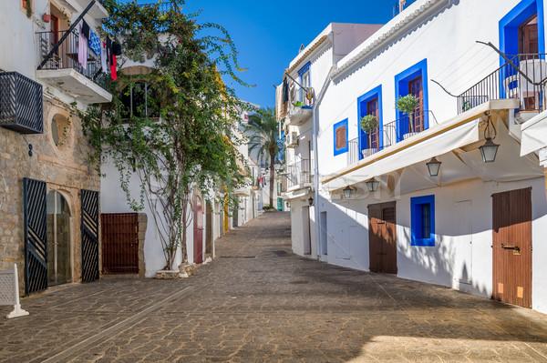 Beyaz evler sokak dar yaya sokaklarda Stok fotoğraf © Steffus