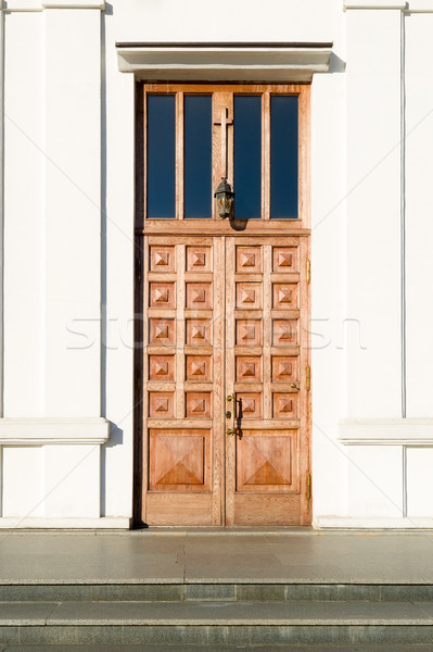 Kilise kapı büyük ahşap kapalı kapı Stok fotoğraf © Steffus