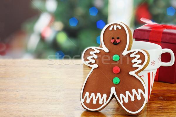 Gingerbread man cookie sur tasse Photo stock © StephanieFrey