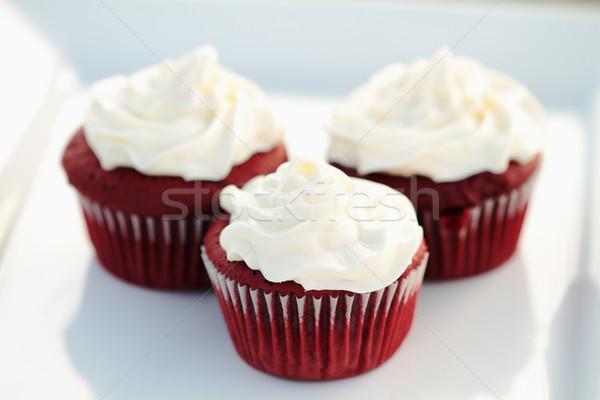 Vermelho veludo três branco prato Foto stock © StephanieFrey