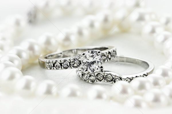 Stock fotó: Gyöngyök · gyémántok · ezüst · gyémánt · eljegyzési · gyűrű · esküvő