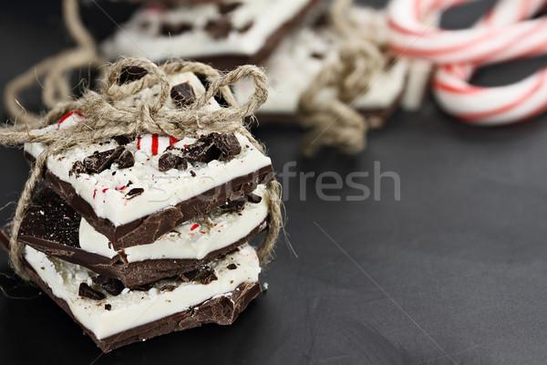 Délicieux chocolat menthe poivrée écorce sombre blanche Photo stock © StephanieFrey