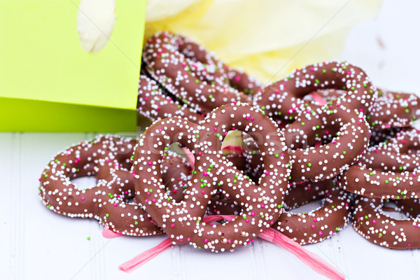 Chocolat couvert bretzels sac papier Photo stock © StephanieFrey