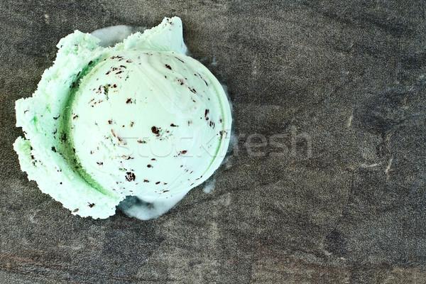 Chocolat puce menthe crème glacée évider délicieux Photo stock © StephanieFrey