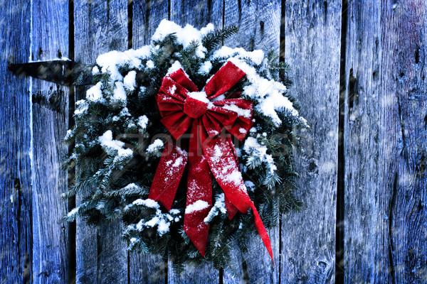 Rustiek christmas krans oude verweerde schuur Stockfoto © StephanieFrey