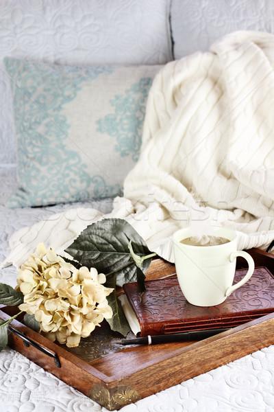 Reggel kávé ágy forró megnyugtató csésze Stock fotó © StephanieFrey