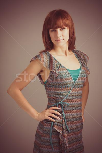 Mooie jonge vrouw retro portret vintage meisje Stockfoto © stepstock