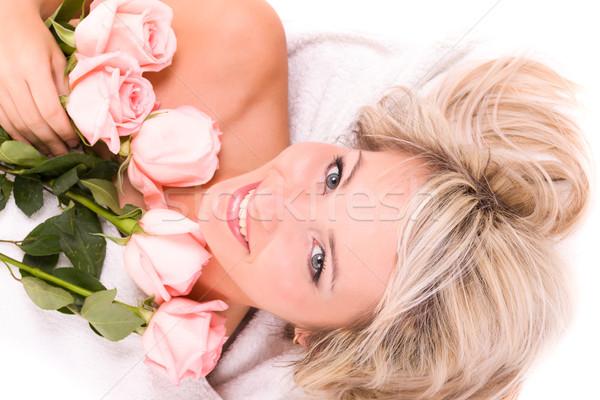 Mulher rosa toalha belo estância termal Foto stock © stepstock