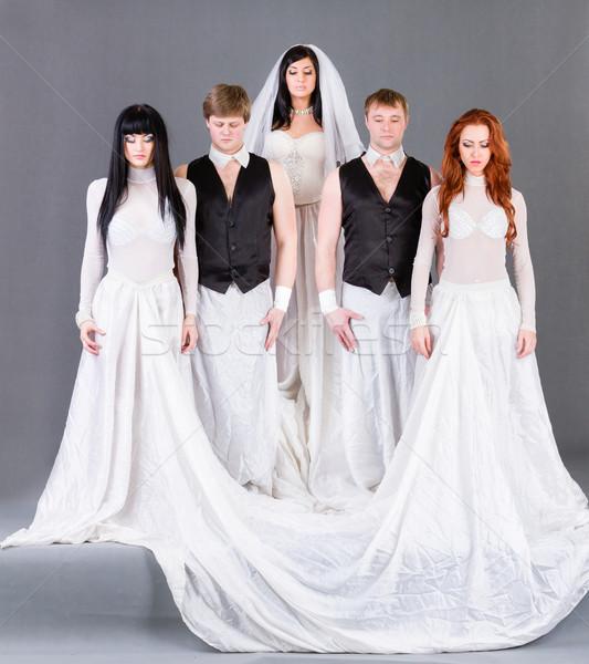 Vestido de novia posando gris nina boda Foto stock © stepstock