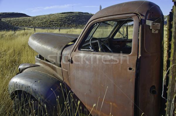 старые грузовика фермы утра солнце автомобилей Сток-фото © stockfrank