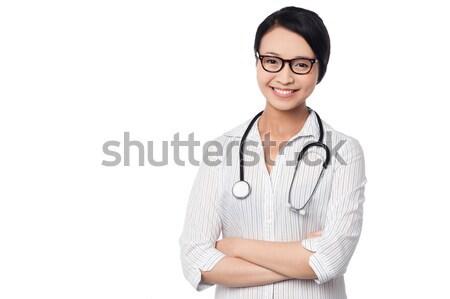 Stockfoto: Jonge · mooie · vrouwelijke · arts · armen · gevouwen