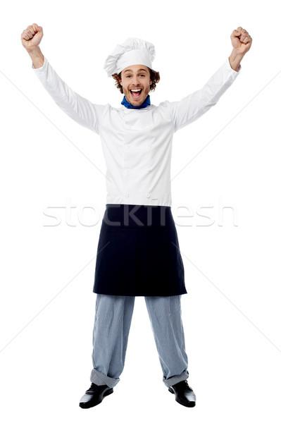 Wow podniecony młodych mężczyzna kucharz Zdjęcia stock © stockyimages