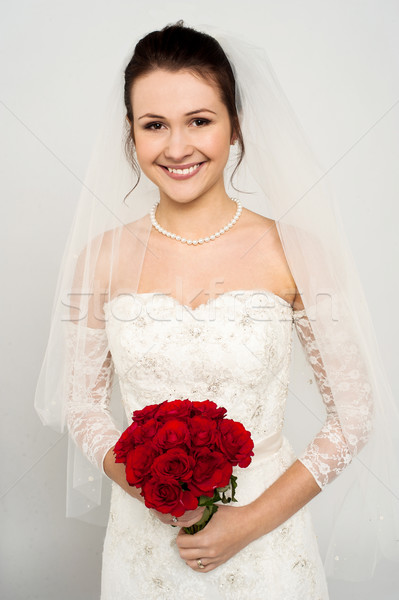 Stockfoto: Glimlachend · bruid · steeg · boeket · prachtig · jonge