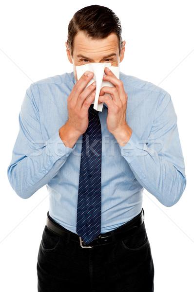 Fiatalember hideg takarítás orr papírzsebkendő papír Stock fotó © stockyimages