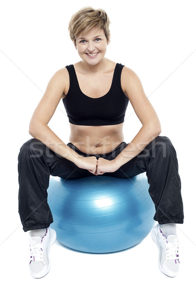 Fitness vrouw ontspannen oefening bal groot Blauw Stockfoto © stockyimages