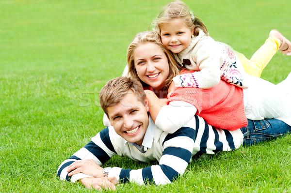 Férj feleség gyermek egyéb szórakozás kint Stock fotó © stockyimages