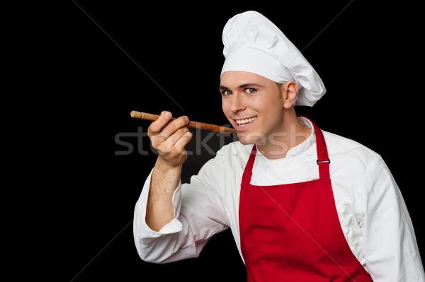 Stock fotó: Szakértő · szakács · kóstolás · edény · izolált · fekete