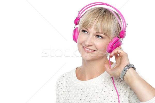 ストックフォト: ゴージャス · 女性 · 音楽を聴く · 失わ · 独自の · 世界