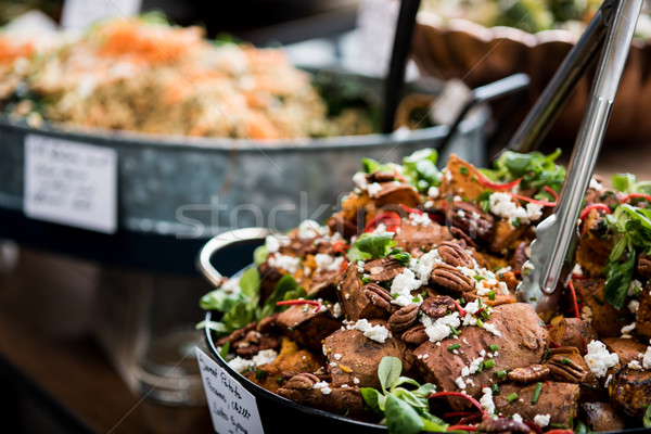 Choisir favori salade restaurant alimentaire Photo stock © stockyimages