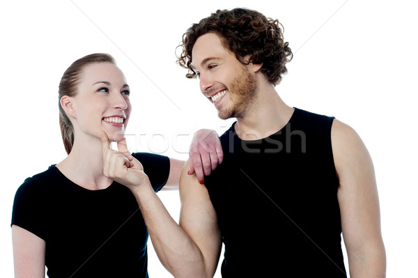 Klejenie młodych para atrakcyjny Zdjęcia stock © stockyimages