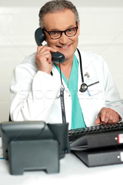 Stok fotoğraf: Mutlu · tıbbi · uzman · telefon