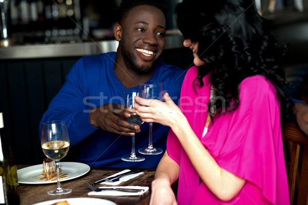 Kochający romantyczny para bar młodych szczęśliwy Zdjęcia stock © stockyimages