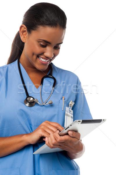 Zdjęcia stock: Kobiet · lekarz · uniform · urządzenie