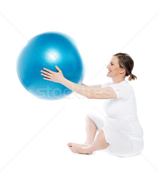 Foto stock: Mujer · embarazada · sesión · ejercicio · pelota · aislado · blanco