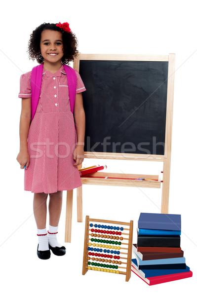 Stockfoto: Glimlachend · schoolmeisje · permanente · Blackboard · mooie · meisje