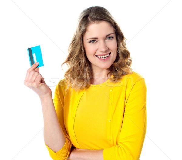 Mujer atractiva tarjeta de crédito aislado blanco mujeres Foto stock © stockyimages