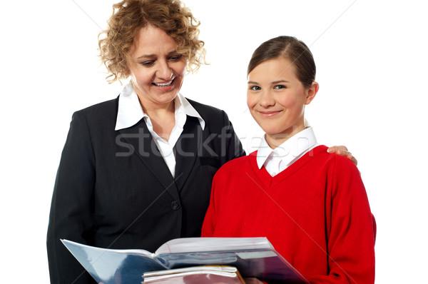 Photo stock: Enseignants · étudiant · posant · ensemble · blanche · livres