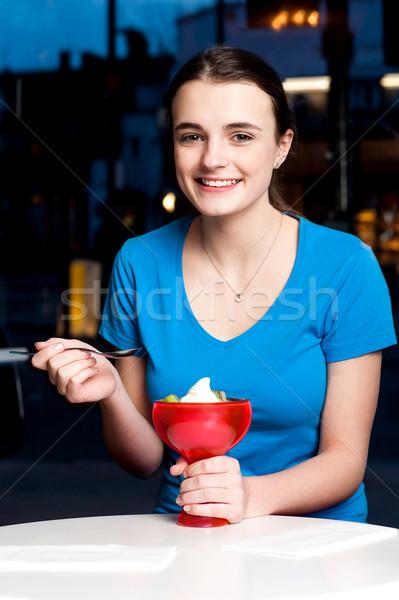 Dziewczyna kuszący deser atrakcyjny młoda dziewczyna Zdjęcia stock © stockyimages