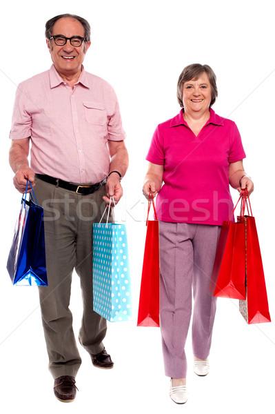 Marido esposa compras caminando Foto stock © stockyimages