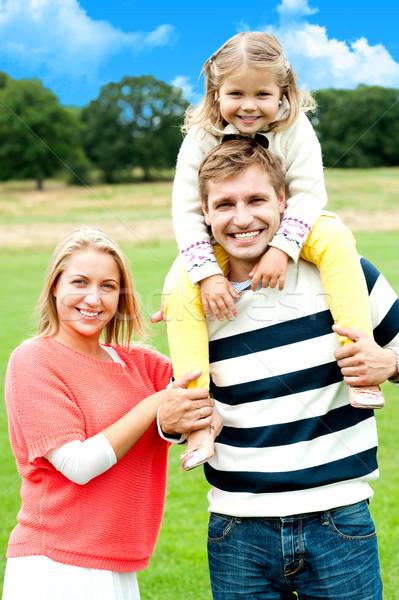 Familie genieten zomer dag charmant Stockfoto © stockyimages