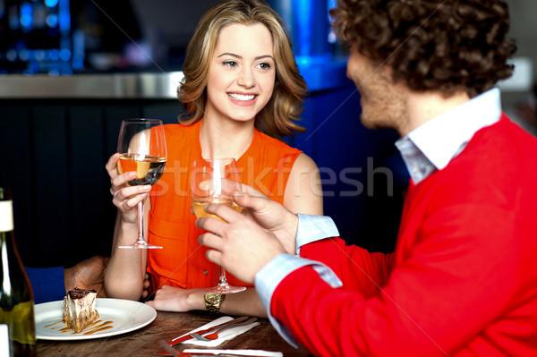 Szerelmi pár romantikus randevú fiatal pér szeretet Stock fotó © stockyimages