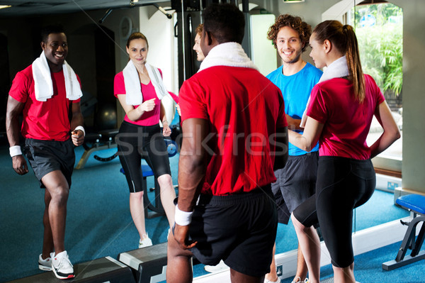 Gymnase fitness personnes cardio exercice heureux Photo stock © stockyimages