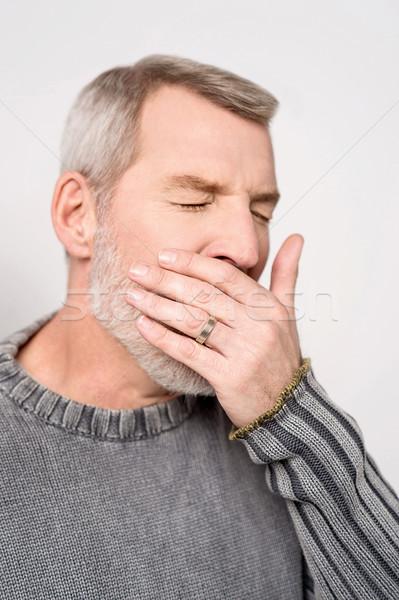 Gyártmány engem álmos idős férfi kéz Stock fotó © stockyimages